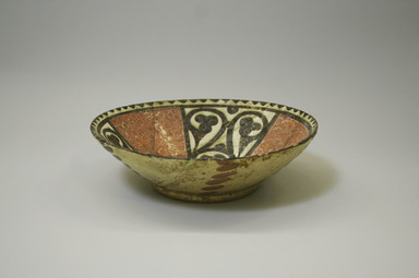 <em>Bowl</em>, 9th-10th century. Ceramic, slip, glaze, 2 9/16 x 8 1/4 in. (6.5 x 20.9 cm). Brooklyn Museum, Gift of the Ernest Erickson Foundation, Inc., 86.227.4. Creative Commons-BY (Photo: Brooklyn Museum, CUR.86.227.4_exterior.jpg)