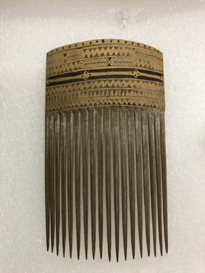 <em>Comb</em>. Bamboo, pigment, 5 x 7/8 in. (12.7 x 2.2 cm). Brooklyn Museum, Gift of Marcia and John Friede and Mrs. Melville W. Hall, 87.218.84. Creative Commons-BY (Photo: , CUR.87.218.84_front.jpg)
