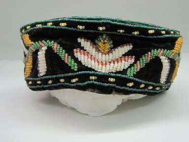 Iroquois. <em>Smoking Cap</em>, ca. 1975. Velvet, cloth, beads, 2 15/16 × 7 1/4 × 7 1/4 in. (7.5 × 18.4 × 18.4 cm). Brooklyn Museum, Gift of the Edward J. Guarino Collection in memory of Josephine M. Guarino, 2016.11.19. Creative Commons-BY (Photo: Brooklyn Museum, CUR.TL2016.18.19_view1.jpg)