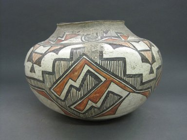 She-we-na (Zuni Pueblo). <em>Water Jar</em>, late 19th-early 20th century. Ceramic, slip, 9 1/2 x 13 x 13in. (24.1 x 33 x 33cm). Brooklyn Museum, Brooklyn Museum Collection, X1010. Creative Commons-BY (Photo: Brooklyn Museum, CUR.X1010_view1.jpg)