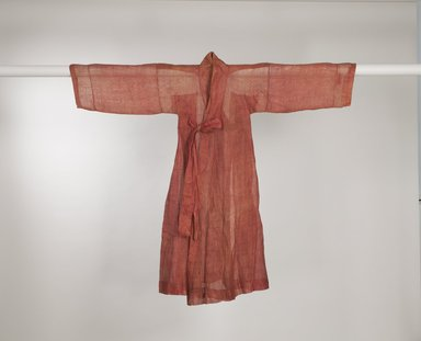 <em>Man's Official Inner-Robe (Jingnyeong)</em>, 19th-early 20th century. Ramie gauze, 48 7/16 x 28 3/8 in. (123 x 72 cm). Brooklyn Museum, Brooklyn Museum Collection, X1136. Creative Commons-BY (Photo: Brooklyn Museum (in collaboration with National Research Institute of Cultural Heritage, , CUR.X1136_front_view1_Collins_photo_NRICH.jpg)