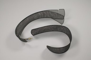 <em>Piece of Gak from a Samo</em>, 20th century. Horsehair, bamboo, 3 3/4 x 24 3/16 in. (9.5 x 61.5 cm). Brooklyn Museum, Brooklyn Museum Collection, X1140.1. Creative Commons-BY (Photo: , CUR.X1140.1_X1140.2_Heon-Kang_photo_NRICH.jpg)