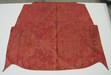 <em>Textile Panel</em>, ca. 1725-1750. Silk, 50 x 48 in. (127.0 x 121.9 cm). Brooklyn Museum, Brooklyn Museum Collection, X1190.1 (Photo: Brooklyn Museum, CUR.X1190.1.jpg)