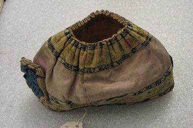 <em>Miniature Hat</em>. Silk, 4 1/8 x 6 11/16 x 2 3/4 in. (10.5 x 17 x 7 cm). Brooklyn Museum, Brooklyn Museum Collection, X640.10. Creative Commons-BY (Photo: Brooklyn Museum, CUR.X640.10_side1.jpg)