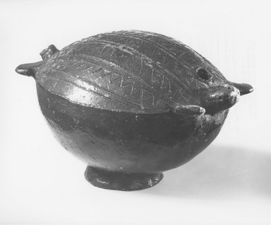 Fijian. <em>Drinking Vessel (Saqa)</em>. Clay, pine resin, 5 x 7 x 8 1/2 in. (12.7 x 17.8 x 21.6 cm). Brooklyn Museum, Brooklyn Museum Collection, X839.2. Creative Commons-BY (Photo: Brooklyn Museum, CUR.X839.2_print_threequarter_bw.jpg)