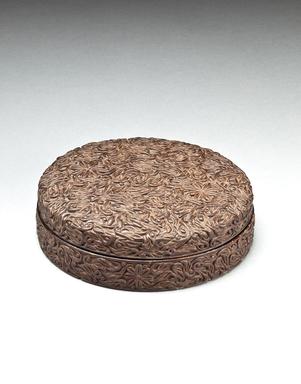 <em>Circular Box with Lid</em>, 18th century. Lacquered wood, diameter: 4 3/4 in. (12.1 cm). Brooklyn Museum, Gift of Nicholas Grindley, 2019.8.6a-b (Photo: , TL2019.9.6a-b.jpg)