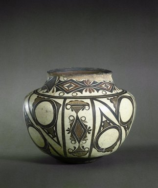 She-we-na (Zuni Pueblo). <em>Water Jar</em>, late 19th-early 20th century. Clay, slip, 12 1/2 x 8 3/4 in. (31.7 x 22.2 cm). Brooklyn Museum, Brooklyn Museum Collection, X764. Creative Commons-BY (Photo: Brooklyn Museum, X764_SL1.jpg)