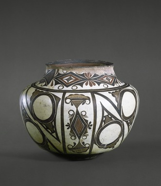 She-we-na (Zuni Pueblo). <em>Water Jar</em>, late 19th-early 20th century. Clay, slip, 12 1/2 x 8 3/4 in. (31.7 x 22.2 cm). Brooklyn Museum, Brooklyn Museum Collection, X764. Creative Commons-BY (Photo: Brooklyn Museum, X764_edited_SL1.jpg)