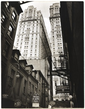 Berenice Abbott (American, 1898-1991). <em>Vista: Thames Street, No. 22, Man.</em>, February 15, 1938. Gelatin silver photograph, 9 5/16 x 7 1/8 in. (23.7 x 18.1 cm). Brooklyn Museum, Brooklyn Museum Collection, X858.24 (Photo: , X858.24_PS9.jpg)