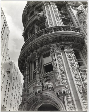Berenice Abbott (American, 1898-1991). <em>Daily News Building</em>, November 21,1935. Gelatin silver photograph, 9 15/16 x 8 in. (25.2 x 20.3 cm). Brooklyn Museum, Brooklyn Museum Collection, X858.32 (Photo: , X858.31_PS9.jpg)