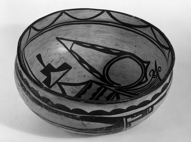 Haak'u (Acoma Pueblo). <em>Bowl</em>, 900-1300. Clay, slip, 4 1/2 x 8 15/16 in (10.5 x 22.7 cm). Brooklyn Museum, Brooklyn Museum Collection, X949.10. Creative Commons-BY (Photo: Brooklyn Museum, X949.10_bw.jpg)