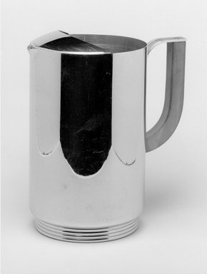 Burroughs Manufacturing Corp.. <em>Pitcher, Burrite Design, Model #337</em>, ca. 1948. Plastic, 8 1/2 x 8 x 3 1/2 in.  (21.6 x 20.3 x 8.9 cm). Brooklyn Museum, Gift of Paul F. Walter, 1994.119.18. Creative Commons-BY (Photo: Brooklyn Museum, wrong_acc%23_1994.119.18_bw.jpg)