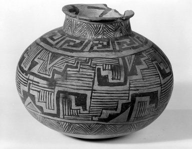 Ancient Pueblo (Anasazi). <em>Jar</em>, ca. 900-1300. Clay, slip, 5 3/4 x 6 1/2 in.  (14.6 x 16.5 cm). Brooklyn Museum, Brooklyn Museum Collection, X949.7. Creative Commons-BY (Photo: Brooklyn Museum, x949.7_bw.jpg)