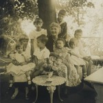 [Untitled] (Walter Lewisohns Mother with Grandchildren)