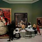 Las Meninas Renacen de Noche IV: Peering at the Secret Scene Behind the Artist