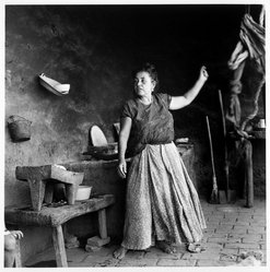 Mariana Yampolsky (Urbach). <em>La Cocina</em>, ca. 1980s. Gelatin silver photograph, Sheet: 14 x 10 7/8 in. Brooklyn Museum, Gift of Marcuse Pfeifer, 1990.119.98. © artist or artist's estate (Photo: Brooklyn Museum, 1990.119.98_bw.jpg)