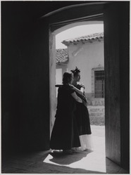 Lola Alvarez Bravo (Mexican, 1907-1993). <em>La Visitación (The Visitation)</em>, ca.1934, printed 1971. Gelatin silver photograph, image/sheet: 9 1/4 x 6 3/4 in. (23.5 x 17.2 cm). Brooklyn Museum, Purchased with funds given by the Horace W. Goldsmith Foundation, Ardian Gill and the Coler Foundation, 1995.125. © artist or artist's estate (Photo: , 1995.125_PS11.jpg)