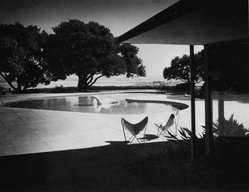 Morley Baer (American, 1916-1995). <em>Thomas Church's Donnell Garden and Pool</em>, 1948; Modern print. Gelatin silver photograph, 20 x 24 in.  (50.8 x 61.0 cm). Brooklyn Museum, Gift of the Morley Baer Publishing Rights Trust, 2001.106. © artist or artist's estate (Photo: Brooklyn Museum, 2001.106_bw.jpg)