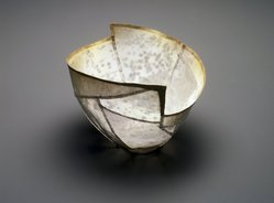 So, Jin-Sook (Korean, born 1950). <em>Petal-shaped Cup</em>, 2000. Steel mesh and thread with painted and electroplated gold and silver decoration, 2 3/4 x 5 x 6 in.  (7.0 x 12.7 x 15.2 cm). Brooklyn Museum, Anonymous gift in honor of Amy G. Poster, 2001.49.2. © artist or artist's estate (Photo: Brooklyn Museum, 2001.49.2_transp5016.jpg)