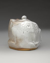 Kaneta Masanao (Japanese, born 1953). <em>Fresh Water Jar (Mizusashi)</em>, 1999. Hagi ware: Glazed Stoneware, 8 1/2 x 8 1/2 in. (21.6 x 21.6 cm). Brooklyn Museum, Gift of Mr. and Mrs. Hiroshi Yanagi, 2002.39. © artist or artist's estate (Photo: Brooklyn Museum, 2002.39_side1_PS9.jpg)