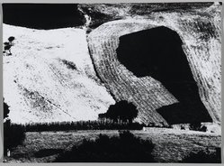 Mario Giacomelli (Italian, 1925-2000). <em>[Untitled]</em>, 1956. Gelatin silver photograph, sheet: 11 1/2 x 15 5/8 in. (29.2 x 39.7 cm). Brooklyn Museum, Gift of Dr. Daryoush Houshmand, 80.216.5. © artist or artist's estate (Photo: Brooklyn Museum, 80.216.5_PS1.jpg)