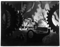 "Herbert Gehr (American, 1910-1983). <em>Henry Billings Creating his ""Mobile Mural,"" for the Ford Building, New York World's Fair, 1939</em>, 1939. Gelatin silver photograph, 10 1/2 x 13 3/4 in. (26.7 x 34.9 cm). Brooklyn Museum, Gift of Lawrence B. Salander, 85.248. © artist or artist's estate (Photo: Brooklyn Museum, 85.248_bw.jpg)"