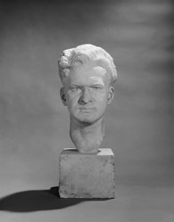 Jo Davidson (1883-1952). <em>Portrait Bust of Israel Chatinover</em>, 1931. Plaster, 20 x 7 5/16 x 8 7/8 in. (50.8 x 18.6 x 22.5 cm). Brooklyn Museum, Gift of Mollie Beaver Chatinover, 88.162. © artist or artist's estate (Photo: Brooklyn Museum, 88.162_bw.jpg)