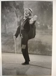 W. Eugene Smith (American, 1918-1978). <em>[Untitled] (Charlie Chaplin)</em>, 1952. Gelatin silver photograph, Sheet: 13 5/16 x 9 1/8 in. (33.9 x 23.2 cm). Brooklyn Museum, Gift of Philip Goutell, 87.245.28. © artist or artist's estate (Photo: Brooklyn Museum, CUR.87.245.28.jpg)