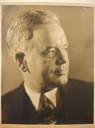 Herman de Wetter (American, born Estonia, 1880-1950). <em>Portrait of Middle-Aged Man</em>. Gelatin silver photograph, 10 x 8 in. (25.4 x 20.3 cm). Brooklyn Museum, Brooklyn Museum Collection, X894.108. © artist or artist's estate (Photo: Brooklyn Museum, CUR.X894.108.jpg)